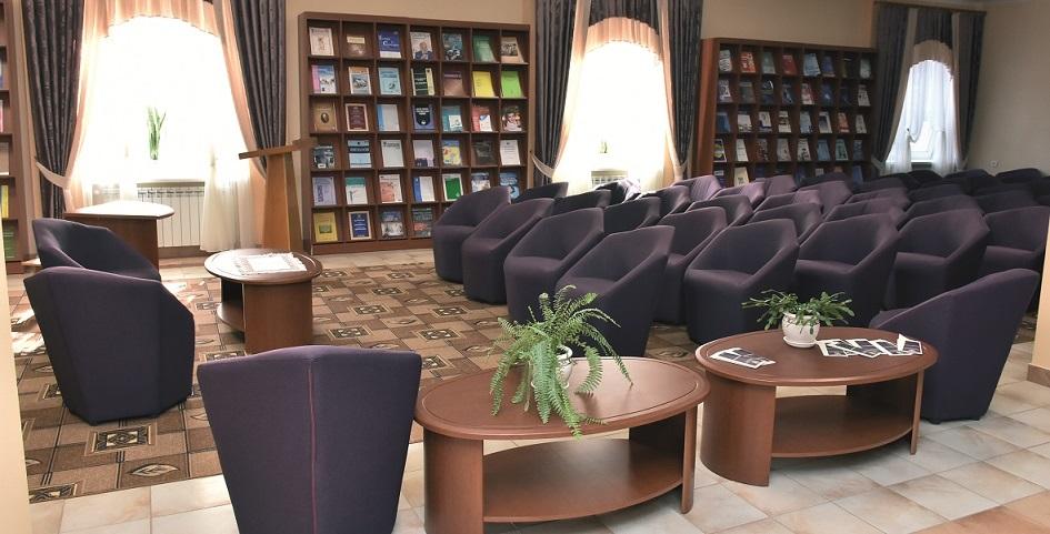 Biblioteka-interyer